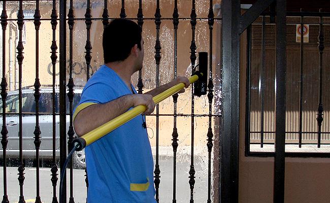 Limpieza de cristales for Trabajo de limpieza en murcia