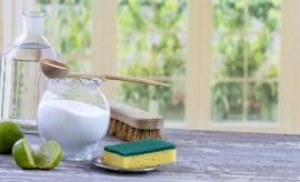 Productos de limpieza sostenibles y consejos para ser respetuosos con el planeta